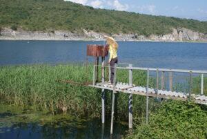 Μέτρηση της στάθμης των λιμνών/ Αρχείο ΦΔΕΠαΠ